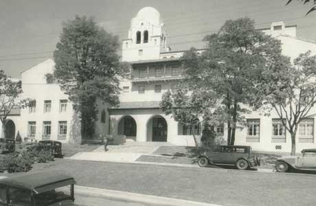 I-House in 1930